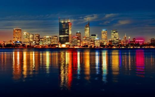 a-night-out-in-perth-australia-l-mcl_rh